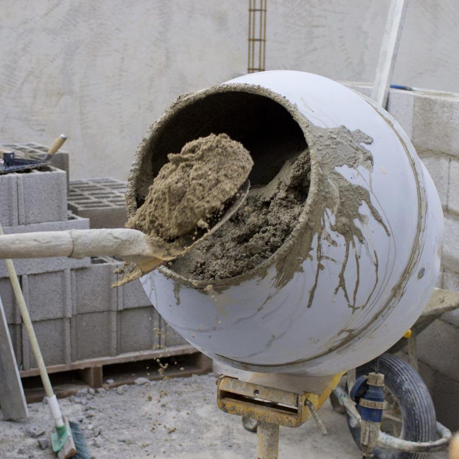 Как приготовить и залить бетон для фундамента